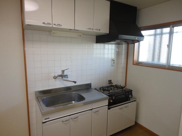 シティーマンション西伏屋 00302号室のキッチン