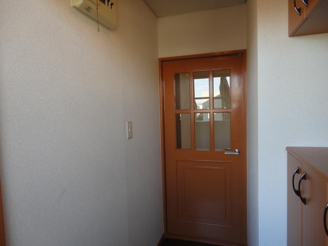 シティーマンション西伏屋 00302号室の玄関