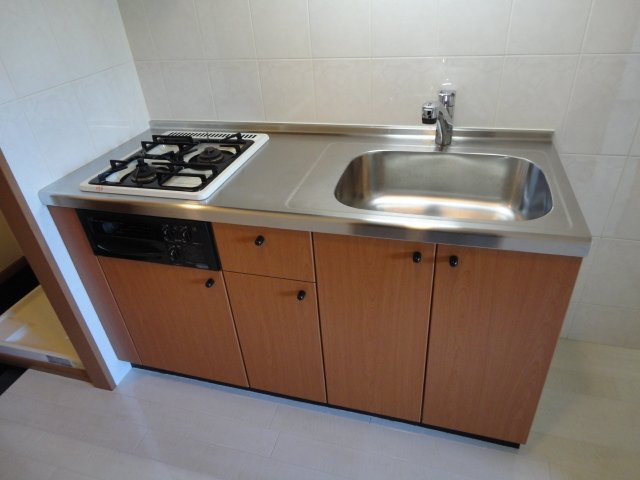 リバーサイドJS 106号室のキッチン