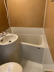 鹿島ハイツ戸越 205号室の風呂