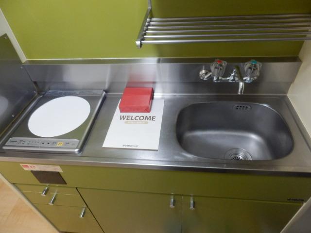ハイタウン学芸大学 112号室のキッチン