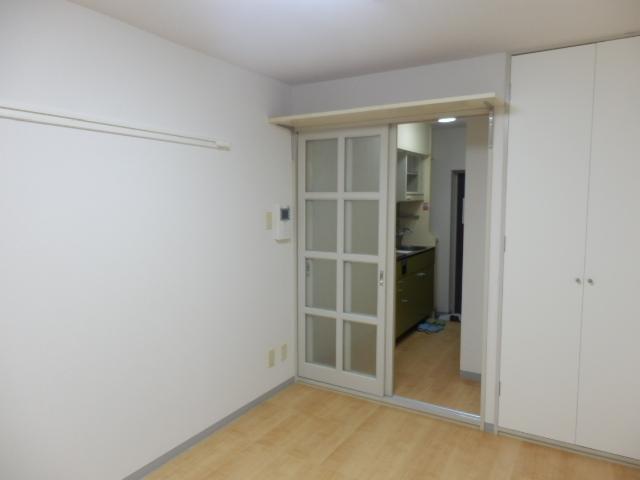 ハイタウン学芸大学 112号室のベッドルーム