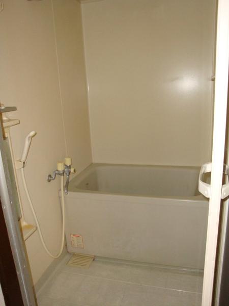 リバーサイド三日月 301号室の収納