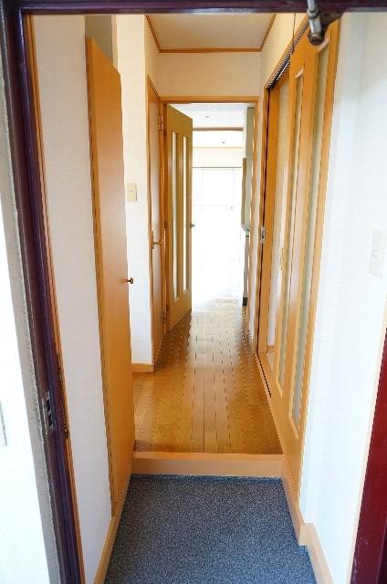 コーポのぼる 202号室の玄関