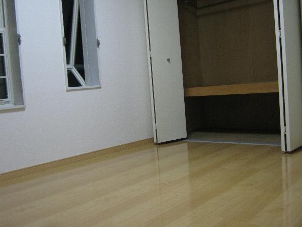 第二ローレルハイツ大岡山 201号室のリビング