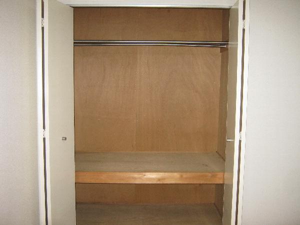 第二ローレルハイツ大岡山 201号室の収納