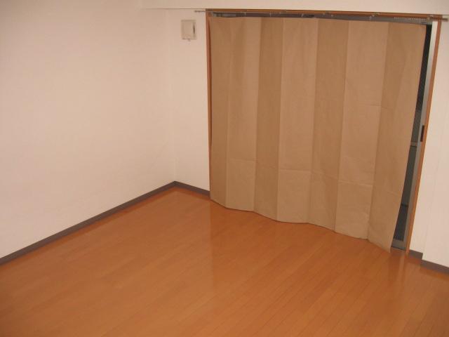 ウイステリア 202号室のリビング