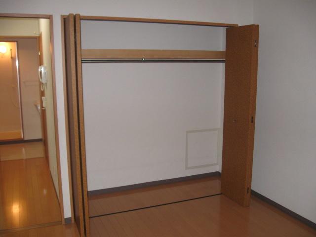 ウイステリア 202号室の収納