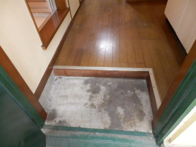 グリーンメゾン 102号室の玄関