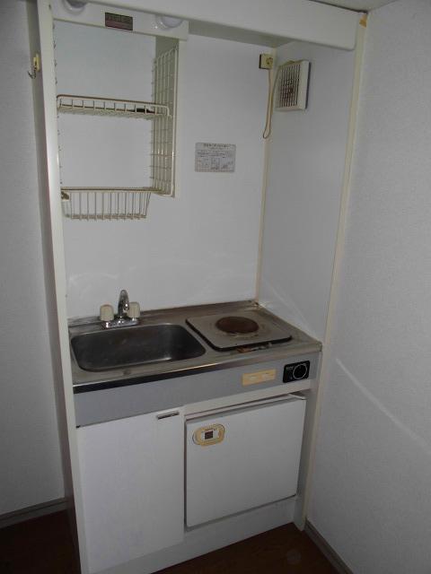 ライフピアグラフティー 104号室のキッチン