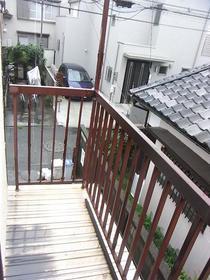 伸栄荘 201号室のバルコニー