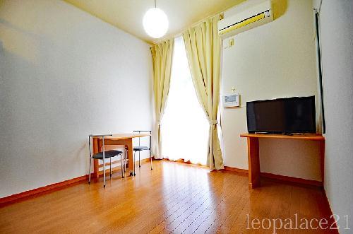 レオパレスウエストリバーⅡ 302号室の居室