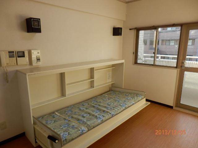シャンポール並木 205号室のリビング