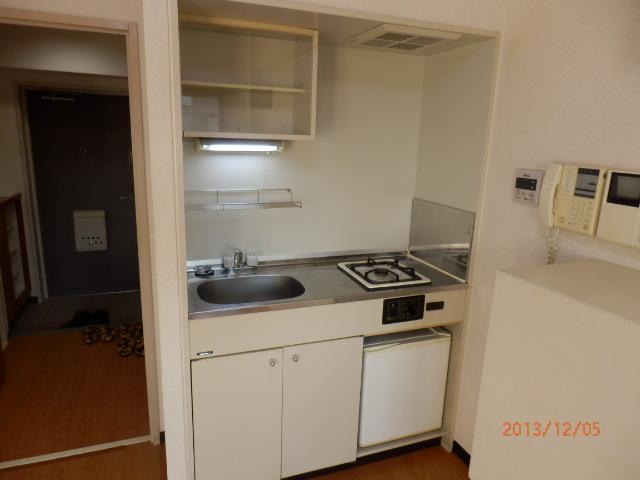 シャンポール並木 205号室のキッチン