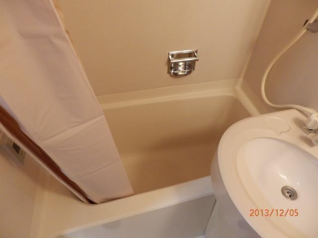 シャンポール並木 205号室の風呂