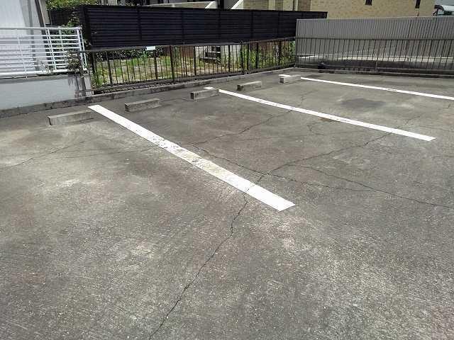 アネックスK 01010号室の駐車場