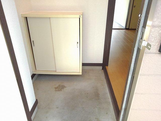 アネックスK 01010号室の玄関