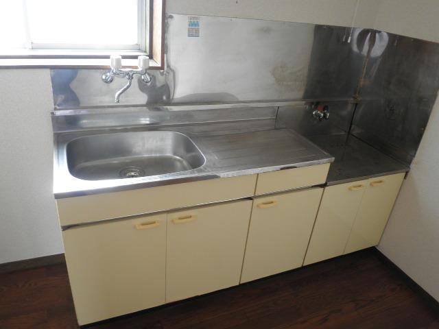 三沢第2マンションりわ 317号室のキッチン
