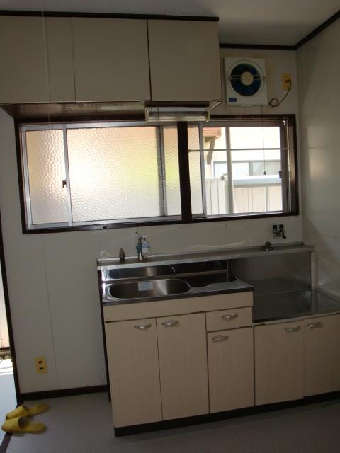 コーポ犬飼 201号室のキッチン