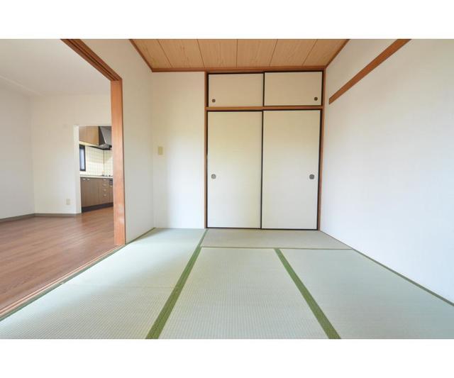 エーデルハイム 207号室の居室