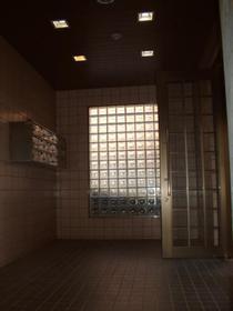 グレイスハイム新座 201号室のエントランス