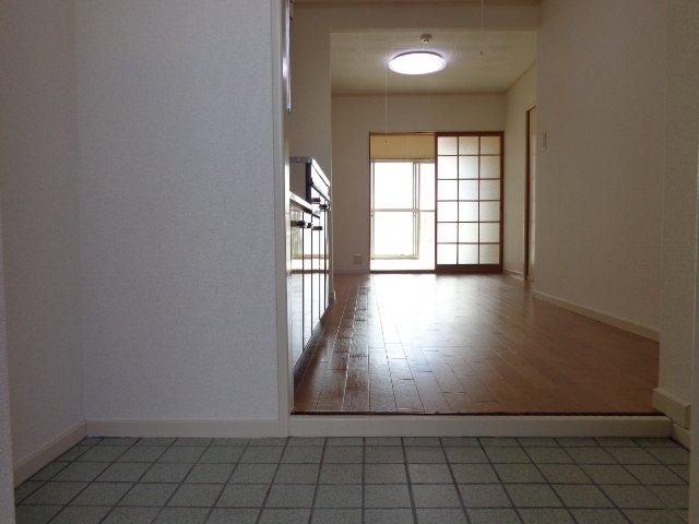 コーポラスカトー 00301号室のエントランス