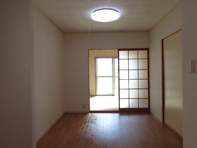 コーポラスカトー 00301号室のリビング