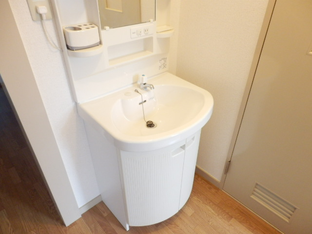 北中ハイツ 00105号室の洗面所