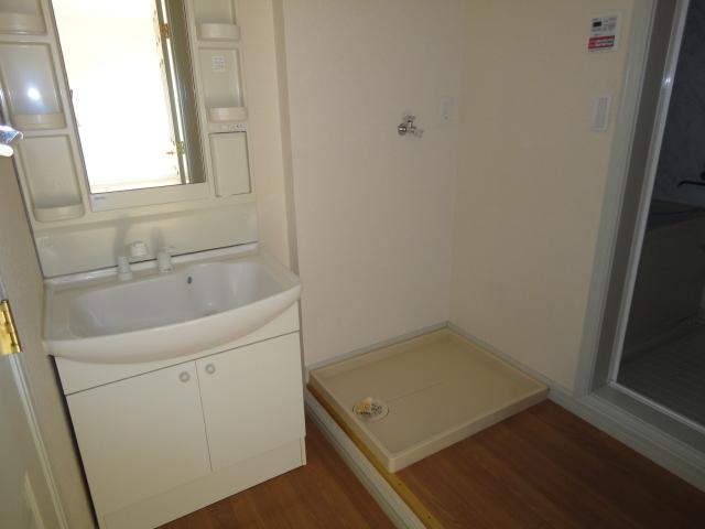 ドルソニオンA 102号室の洗面所