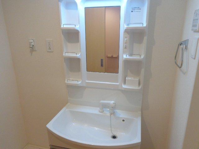 コーポ天神 302号室の洗面所