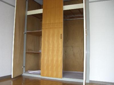 西武郊外マンションC棟 00403号室の収納