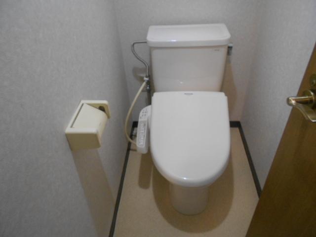 ゴールドハイツ渡辺 1005号室のトイレ