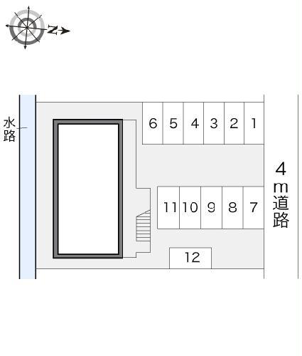 レオパレス甚目寺 203号室の駐車場