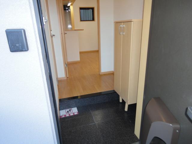 アンジェロ 105号室の玄関