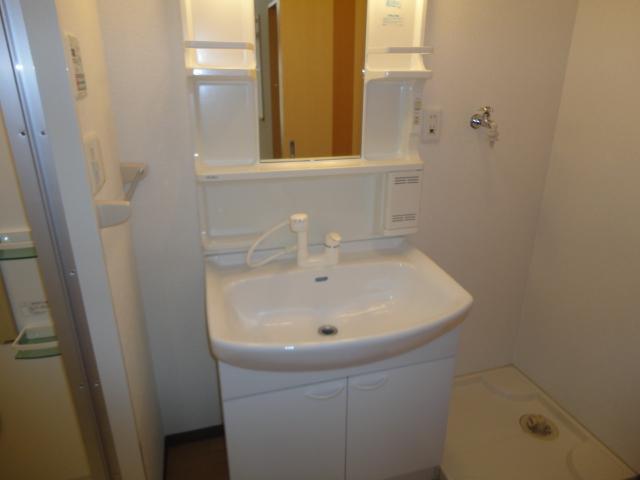 アンジェロ 105号室の洗面所