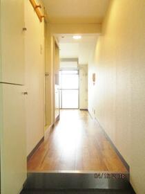 スカイコート淵野辺第3 303号室の玄関
