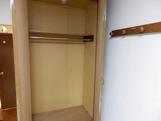 ヴィラ・パンテオン 104号室の収納