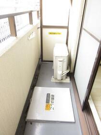 ニューライフ横浜大通り公園 706号室のバルコニー