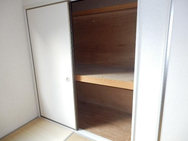 エヴァーグリーン 103号室の収納