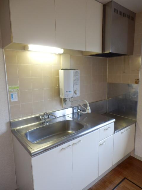 エヴァーグリーン 103号室のキッチン