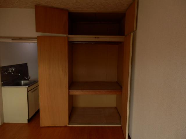 グリーンヒル上田 00205号室の収納