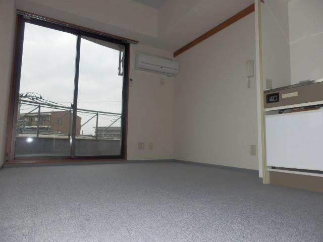 アムハード所沢 00405号室のリビング