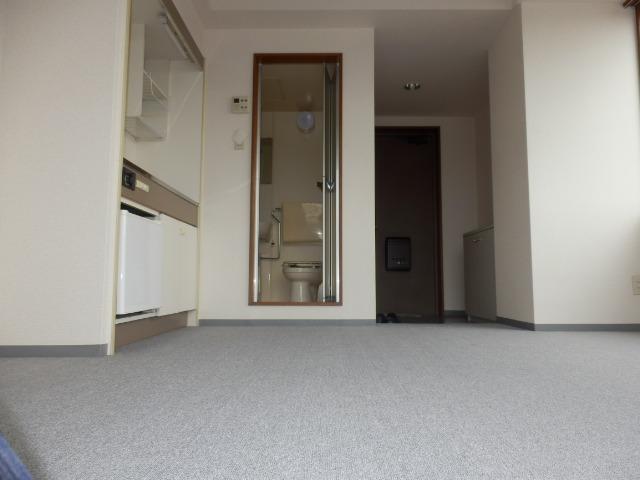 アムハード所沢 00405号室の玄関