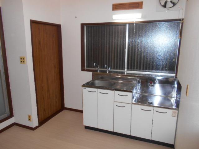 永倉荘 201号室のキッチン