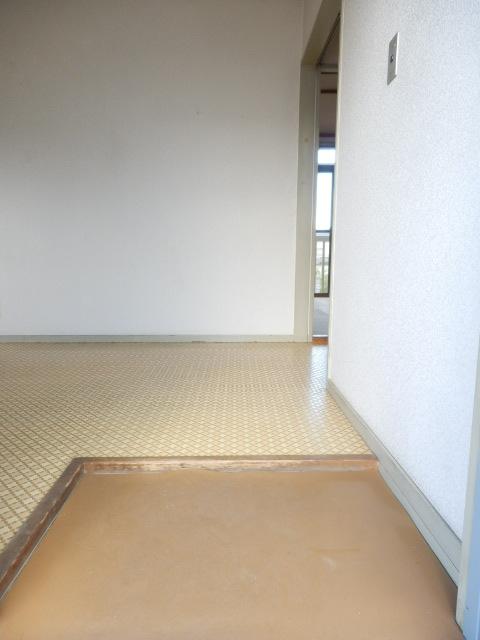石井荘 00201号室の玄関