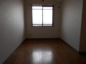 プレジデントミタマ 205号室の居室
