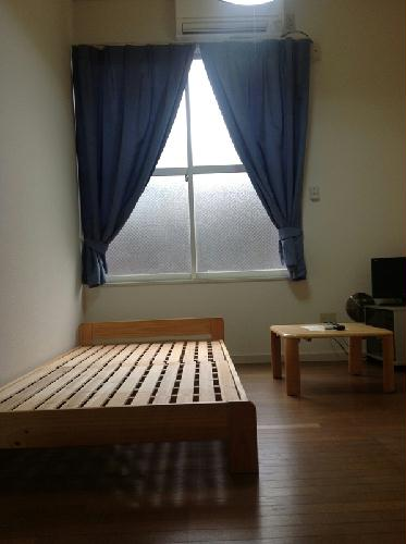 レオパレスIZUMI第2 204号室のリビング