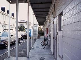 レオパレスIZUMI第2 204号室の玄関