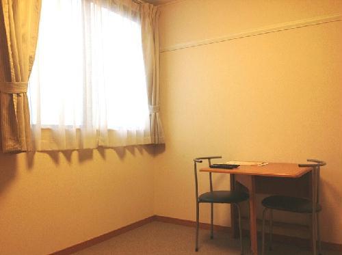 レオパレスエヌ ファミール 105号室のリビング