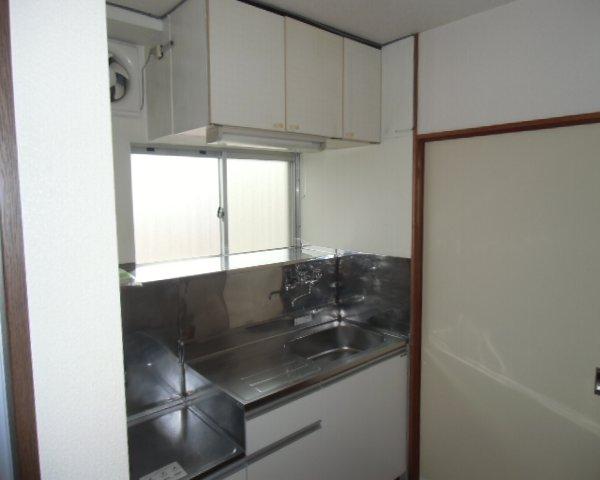 第2金泉ビル 301号室のキッチン